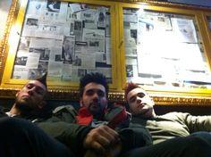 ¡Hola papi! Aqui somos muy de puta madre! Backstage  #hotcomplotto #hot complotto #traccesporche #musica #indie #alternative #lescimmie #club #milano