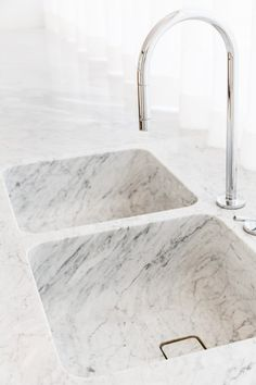 Kitchen Sink Guide: Stainless, Cast Iron, Marble + More | Apartment Therapy Kitchen Interior, New Kitchen, Kitchen Design, Kitchen Sinks, Room Interior, Stainless Steel Sinks, Kitchen Trends, Kitchen Ideas, Kitchen Rules