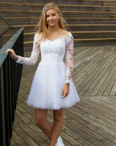 Konfirmationskjoler 2018 - Brudedesign-konfirmationskjoler Source by angaraes dresses White Homecoming Dresses, Cocktail Bridesmaid Dresses, Wedding Dresses 2018, Designer Wedding Dresses, Girls White Dress, White Flower Girl Dresses, Cotillion Dresses, Evening Dresses, Confirmation Dresses White