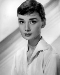 Audrey Hepburn Outfit, Audrey Hepburn Pictures, Audrey Hepburn Fashion, Aubrey Hepburn, Katharine Hepburn, Golden Age Of Hollywood, Classic Hollywood, Old Hollywood, Hollywood Icons