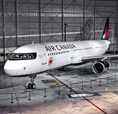 Air Canada Airbus A321-211 C-GJWO exhibits new colours during the livery unveiling at Montréal-Trudeau,10th February 2017. (Photo via Instagram: @contrailsphotography)