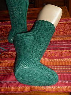 Dieses Muster ist einfach zu stricken und doch sehr effektvoll. Männer und Frauen werden es lieben, da es jeder Socke eine schlichte Eleganz verleiht.