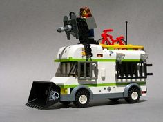 Home - Zombie Defense Camper: A LEGO® creation by Andrew Becraft : MOCpages.com
