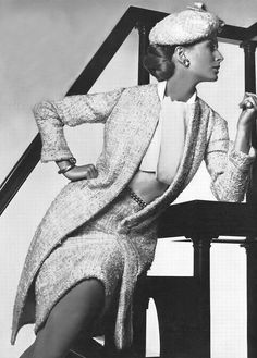 1964 Sandra Paul in narrow coat and skirt of silky sand tweed over a white crêpe blouse by Nan Herzlinger, matching beret by Emme, Chanel Chanel Fashion, 1960s Fashion, Fashion Wear, Fashion Photo, Vintage Fashion, Suzy Parker, Mode Chanel, Vogue Us, Chanel Earrings