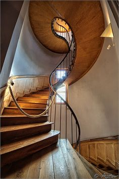 Azay le Ridau castle spiral stair  repinned by www.smg-treppen.de #smgtreppen