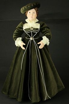 Bona - inspiracją do wykonania tej lalki była postać królowej Bony Sforza.