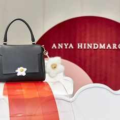 One of our most recent pop-ups, a corner full of color and fun dedicated to the original accessories of @anyahindmarch, is available until January 10. You don't want to miss it!