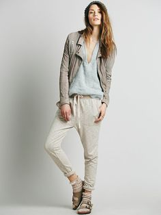 Comfy Pants For Watching Awards Shows, Which will you choose? http://keep.com/read/comfy-pants-for-watching-awards-shows/1f3jFVgDU0/