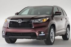 New and redesigned 2015 Toyota Highlander is a mid-sized SUV which is expected to bring best offerings to customers. To accommodate customers need for comfort there is bigger cabin and larger storage area. The car offers 8 seats, with 2 seats in front row and by 3 seats in middle and back row.