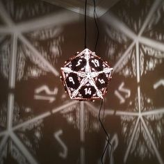 Table Commune, Wrapping Ideas, Dungeon Room, Dungeons And Dragons Game, Dragon Dies, Video Game Rooms, Wood Lamps, D 20, Hanging Pendants