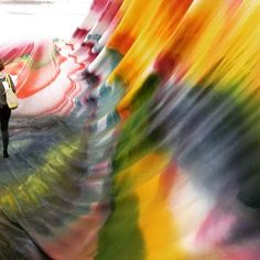 Tomber de rideau par Katharina Grosse au Park Gorky de Moscou.  #katharinagrosse #garagemoscow #shigeruban #architecture #dashazhukova #russie #romanabramovich #painting #peinture #contemporaryart #biennaledevenise #hamburgerbahn of by valerieduponchelle