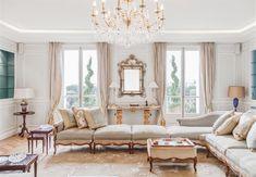 Living room in light and luxurious tone | Salon ton clair luxueux et raffiné