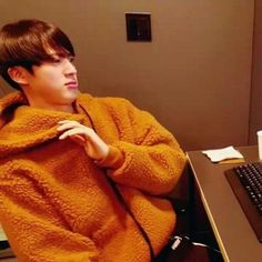 Find images and videos about kpop, bts and jin on We Heart It - the app to get lost in what you love. K Pop, Bts Meme Faces, Funny Faces, Bts Memes Hilarious, Funny Relatable Memes, Seokjin, Hoseok, Bts Twt, Reaction Face