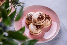 Csokis-málnás macaron recept   Street Kitchen Macarons, Panna Cotta, Gluten Free, Snacks, Sweet, Ethnic Recipes, Food, Kitchen, France