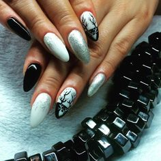 Stiletto nails, black, silver, horns