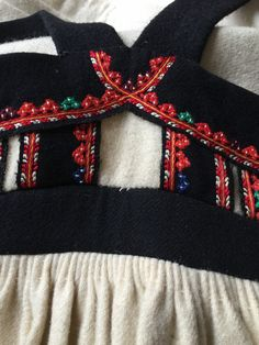 FolkCostume&Embroidery: Costume and Embroidery of Setesdal, East Agder, Norway, part 1 women Folk Costume, Costumes, 4th Of July Wreath, Burlap Wreath, Norway, American Girl, Arts And Crafts, Embroidery, Craft Things