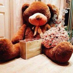 Teddy Bear Images, Giant Teddy Bear, Teddy Bear Pictures, Teddy Bear Gifts, Teddy Bear Toys, Cute Teddy Bears, Vogue Wallpaper, Cute Gifts, Presents