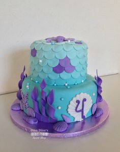 Under the sea fondant two tiered cake. #mermaid #underthesea