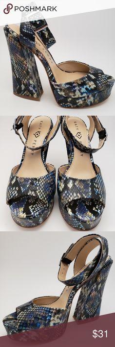 fcbef814c83 Katy Perry Women s Purple Snake Sandals Size 8 Katy Perry Women s Purple  Snake Sandals Size 8