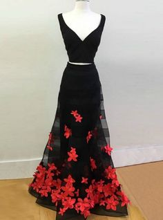 Vintage Black V-neck Two Piece Prom Dress with Appliques. Čierne Šaty ... 02cc7077a0e