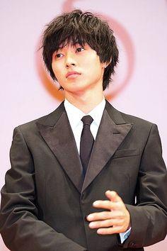 "Preview, Nov/23/15        [All trailers, Official site] http://www.orange-movie.com/news.html  Kento Yamazaki x Tao Tsuchiya, J LA movie ""orange"", Release: 12/12/'15"