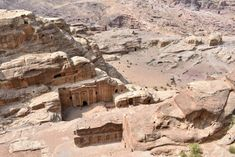 Plan the adventure of a lifetime with the best Petra hiking trails & temples, Petra map & 15 essential tips to visit Petra, the magical lost city of Jordan. Petra Map, City Of Petra, Jordan Tours, Surf, Jordan Photos, Jordan Travel, Original Travel, Egypt Travel, Hiking