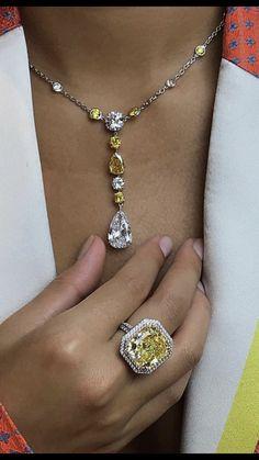 Pink Diamond Jewelry, Opal Jewelry, Art Deco Jewelry, Stone Jewelry, Jewelry Design, Saphir Rose, Jewelry Drawer, How To Make Necklaces, Jewelry Collection