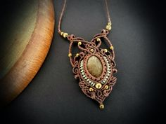 https://www.etsy.com/pt/listing/281706408/moss-agate-macrame-necklace-bohemian