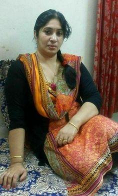 Beautiful Girl In India, Beautiful Women Over 40, Beautiful Saree, Cute Beauty, Beauty Full Girl, Beauty Women, Beautiful Bollywood Actress, Most Beautiful Indian Actress, Dehati Girl Photo