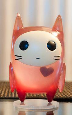 """Designer toys, """"Nekomitaina"""" - One of Mari Inukai's Sekaiseifukudan"""" series.  More info: http://www.vinylpulse.com/2011/01/proto-monday-mari-inukai-sekaiseifukudan.html#more"""