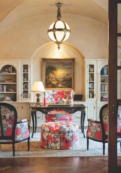 Nell Hill's Rooms We Love (a book by Mary Carol Garrity) features CR Laine Furniture's Dautry Wing Chair, Calais Chairs, and Garrity Ottoman all in Portobello Vase fabric in Ladybug! Beautiful Interior Design, Beautiful Interiors, Beautiful Homes, Beautiful Life, Home Office Design, House Design, English Decor, Home Libraries, Traditional Decor