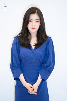 Like Beauty Life fo Keep Cover Short Red Hair, Short Hair Styles, Korean Beauty, Asian Beauty, Haircuts For Medium Hair, Velvet Shorts, Red Velvet Irene, Kpop Girls, Korean Girl