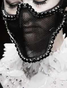 On Aura Tout Vu - a duet of two Bulgarian Fashion Designers V Eiko Ishioka, Couture Details, Cosplay, Celebrity Outfits, Dress And Heels, Dark Fashion, Headgear, Back To Black, Editorial Fashion