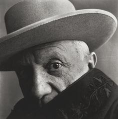 Irving Penn – Pablo Picasso at La Californie, Cannes, France, 1957. Photo @ Irving Penn for Vogue.