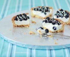 Mini tarty jeżynowe z białą czekoladą