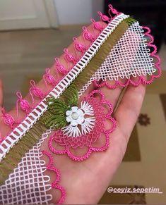 Que tengas un día feliz, insha& toalla grande de doble filo, venta . Crochet Bedspread, Needlework, Coin Purse, Cross Stitch, Mosaic Vase, Moda Emo, Instagram, Armoire, Piercings