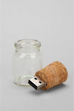 Message In A Bottle Flash Drivemore cool gadgets at: Ausgefallene Geschenke