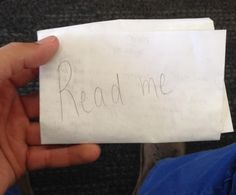 "A man found a handwritten note on an empty chair at the San Francisco Airport. It said ""read me"" on the outside, so he read it and was amazed."