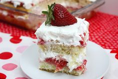 Strawberry Shortcake - This easy strawberry shortcake recipe has 2 layers of perfectly light and fluffy cake soaked with strawberry syrup, topped with whipped cream. Strawberry Shortcake Recipes, Strawberry Desserts, Köstliche Desserts, Summer Desserts, Delicious Desserts, Dessert Recipes, Strawberry Syrup, Summer Recipes, Strawberry Trifle