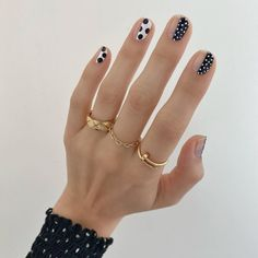 Ahead, we rounded up the 15 prettiest nail trends for spring 2020 that came out of Fashion . These Summer Nail Trends Are *Really* Pretty. Nail Design Stiletto, Nail Design Glitter, Nails Design, Nail Polish Trends, Nail Trends, Perfect Nails, Gorgeous Nails, Cute Nails, Pretty Nails