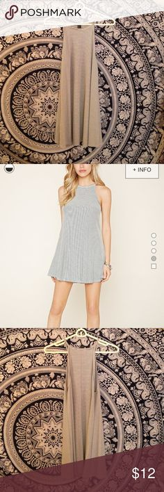 Forever 21 Dress Very cute dress, a little on the shorted side, would recommend for someone who is a size small. Forever 21 Dresses Mini