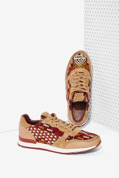 Howsty Naaz Leather Sneakers