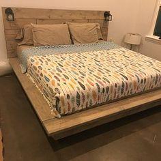 Floating Wood Platform Bed frame with Lighted Headboard-Quilmes Floating Platform Bed, Floating Bed, Wood Platform Bed, Real Wood Furniture, Reclaimed Wood Furniture, Pipe Furniture, Furniture Vintage, Furniture Projects, Furniture Design