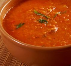 First, grate garlic finely and fry in the pan with olive oil lightly so the garlic doesn't get. Gazpacho, Tomato Soup, Tortellini, Fondant, Fries, Good Food, Healthy Recipes, Cooking, Ethnic Recipes