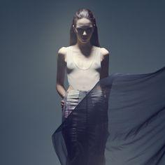 Lady of the fog · LAURA RESTREPO GÓMEZ · Taller formal casual 2011 · Semestre: 5· Darklands…Cuando morimos un poco vivimos con la nostalgia de lo que fue. · Diseño de Modas · Colegiatura Colombiana · Medellín-Colombia