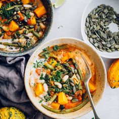 Warming Butternut Squash Curry with Coconut Milk - Hello Veggie Fall Dishes, Thanksgiving Side Dishes, Tofu Wraps, Butternut Squash Curry, Vegetarian Meals For Kids, Vegetarian Recipes, Vegetable Curry, Veg Curry, Curry Soup