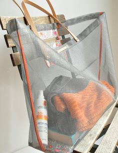 tote made from screen mesh