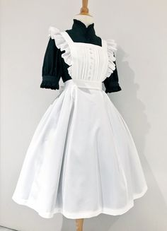 Maid Cosplay, Lolita Cosplay, Apron Dress, Dress Up, Maid Halloween, Pretty Outfits, Cute Outfits, French Maid Dress, Cute Fashion