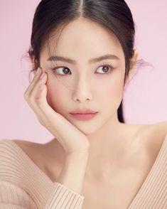 Style Ulzzang, Mode Ulzzang, Job Interview Makeup, Natural Glowy Makeup, Beauty Makeup, Hair Makeup, Korean Girl Photo, Ulzzang Makeup, Korea Makeup