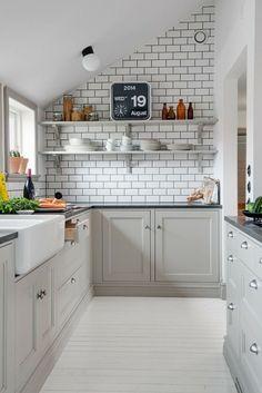 Charmant Dachgeschosswohnung Kücheneinrichtung Mansarde Dachschräge Deko Ideen  Küche17